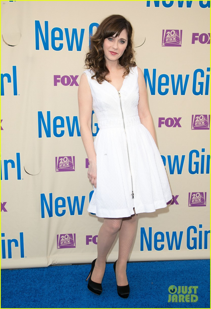zooey deschanel joins new girl cast for season three finale screening 113109318