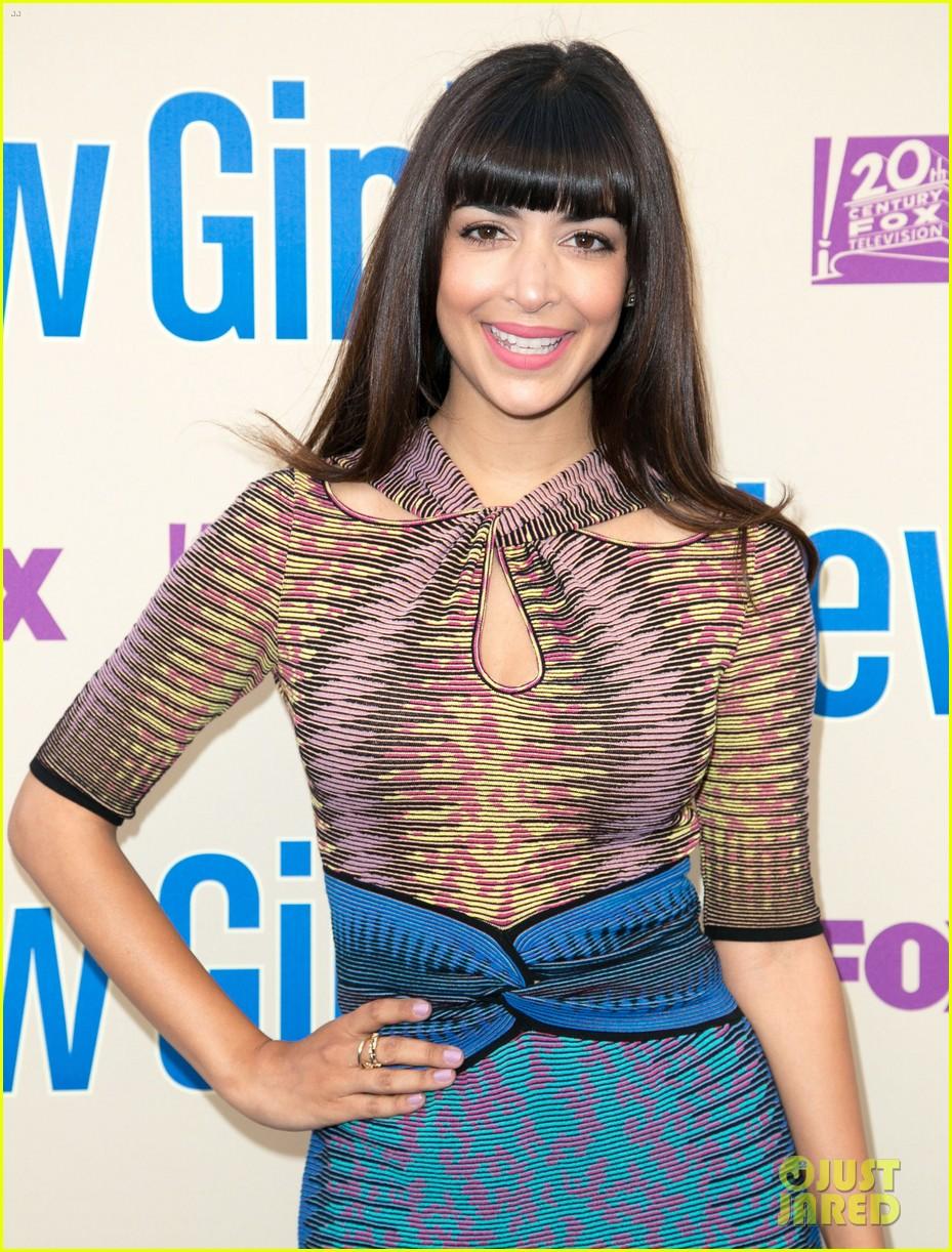 zooey deschanel joins new girl cast for season three finale screening 143109321