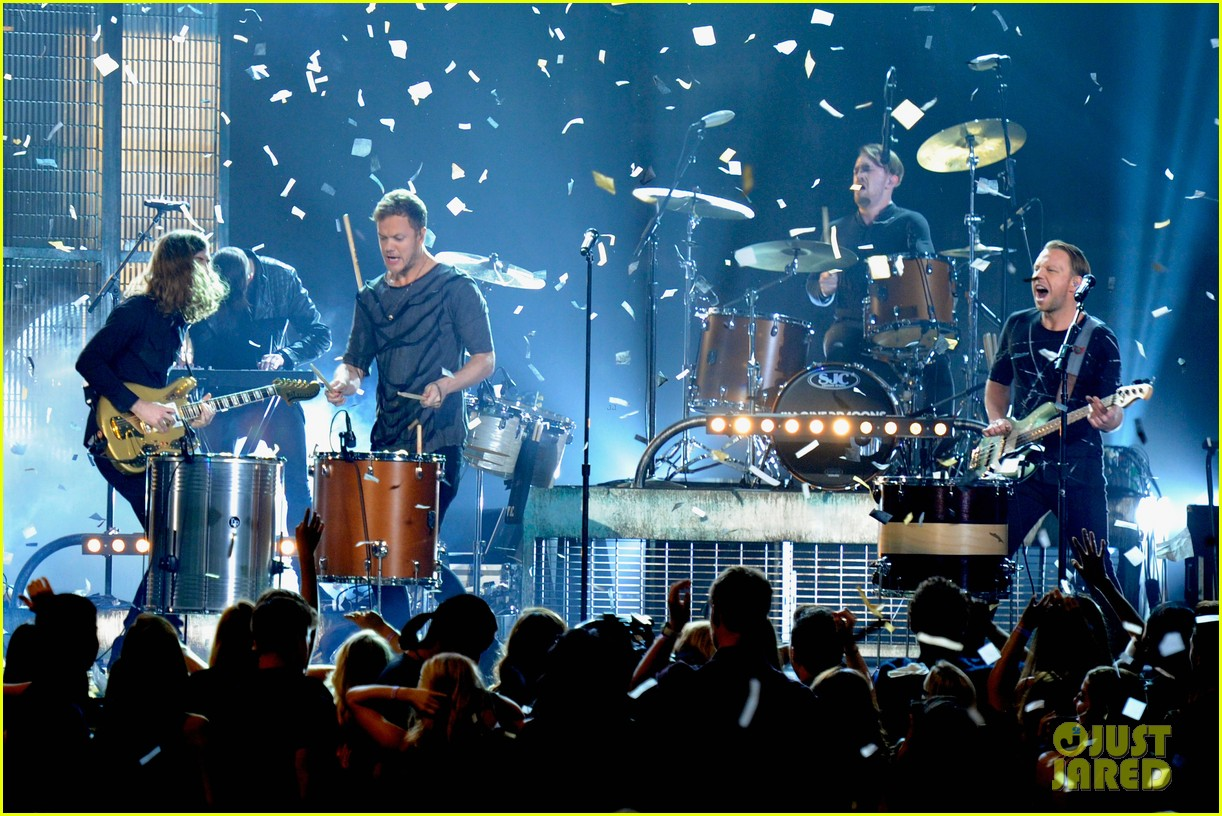 imagine dragons performs tiptoe at billboard music awards 2014 043117010