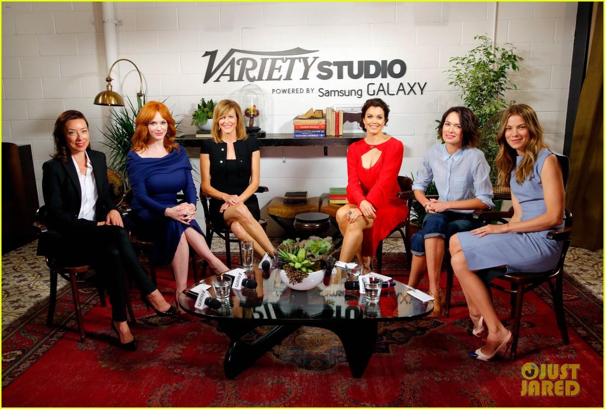 tv drama actresses take silly selfie variety studio 143124048