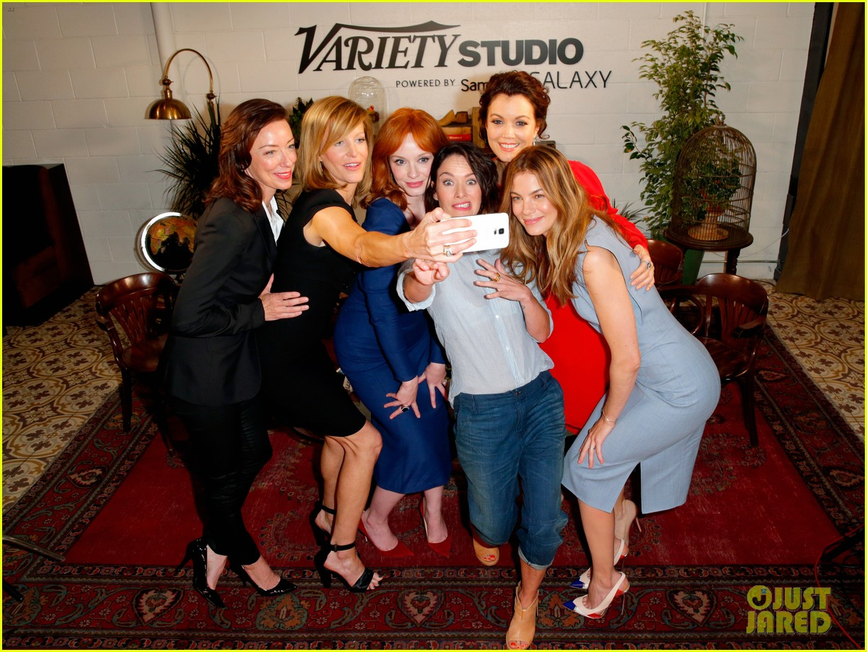 tv drama actresses take silly selfie variety studio 223124056