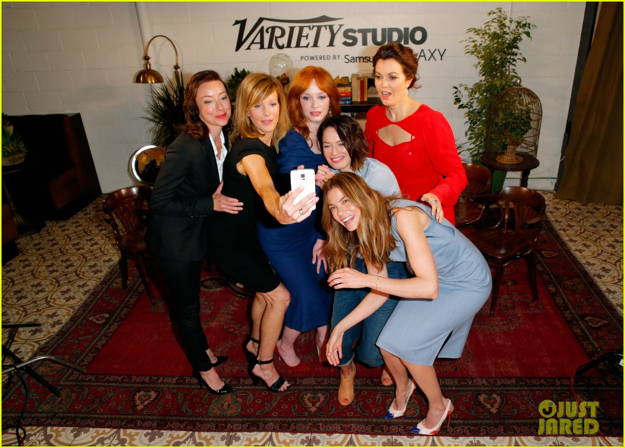 tv drama actresses take silly selfie variety studio 263124060