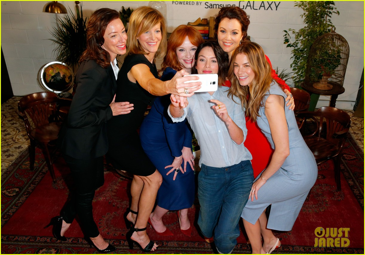 tv drama actresses take silly selfie variety studio 273124061