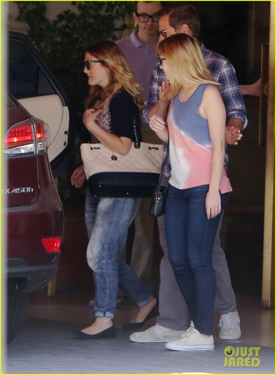 drew barrymore steps out first time daughter frankie 04