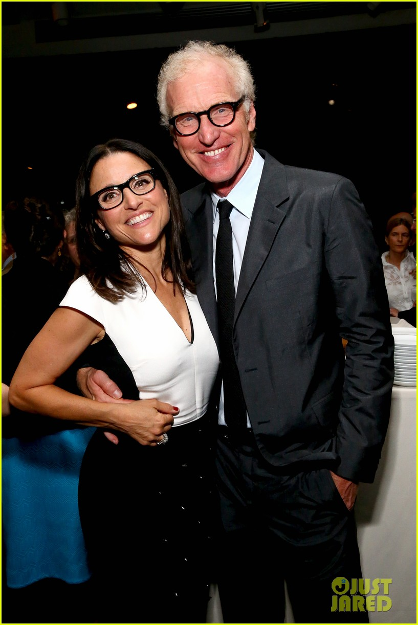 julia louis dreyfus hosts generosity of eye screening for hubby brad hall 053123198