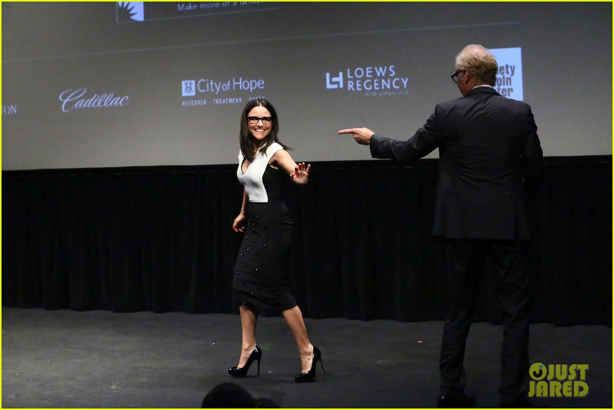 julia louis dreyfus hosts generosity of eye screening for hubby brad hall 113123204