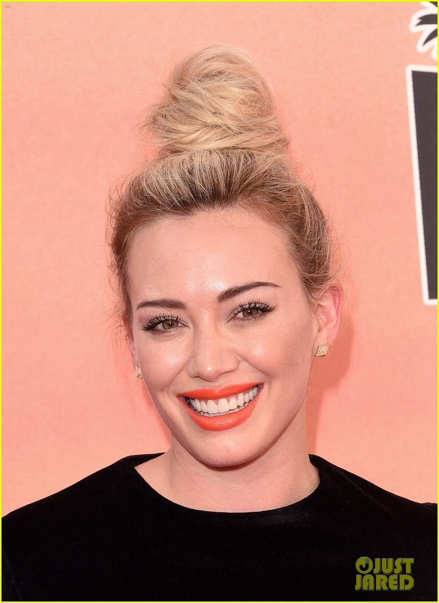 hilary duff iheartradio music awards 2014 10