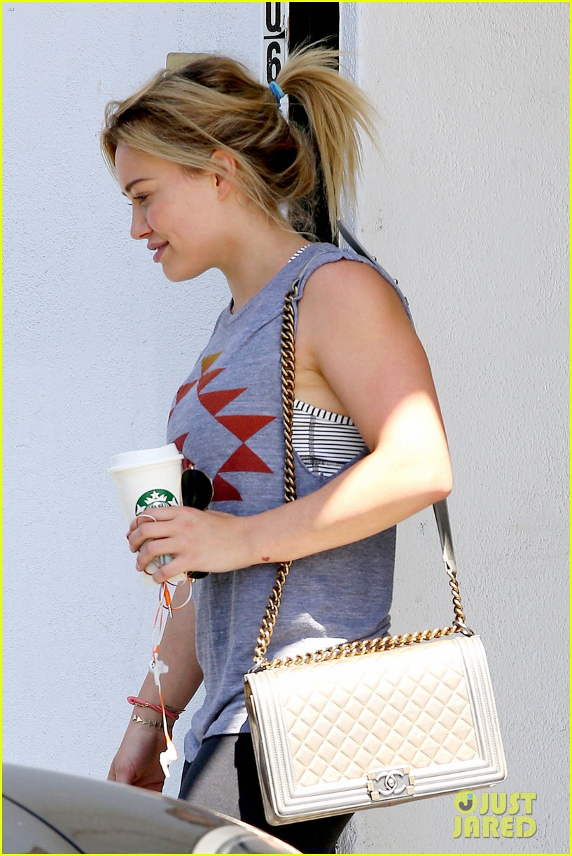 hilary duff opens up about mike comrie 023112348