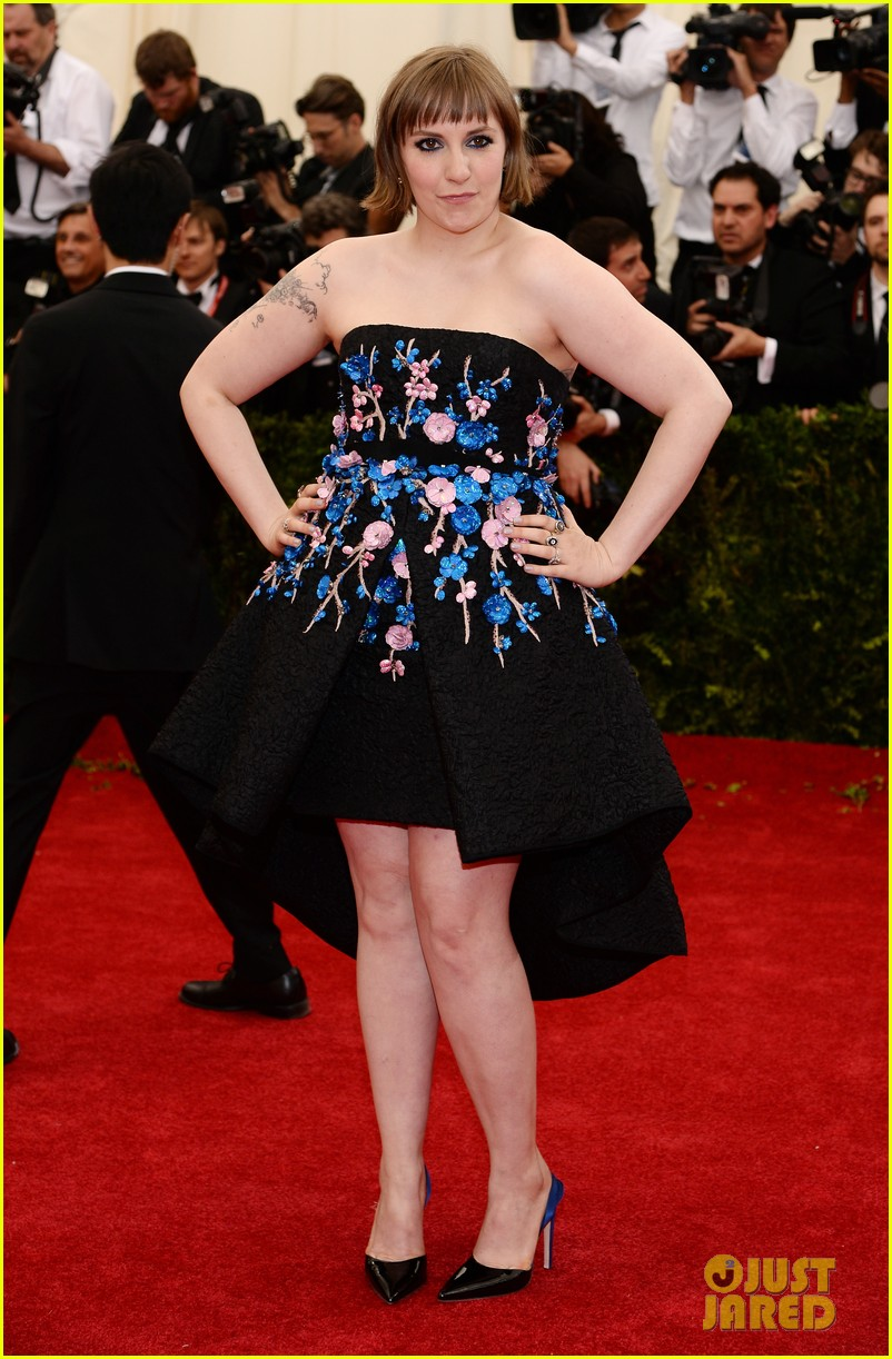 lena dunham chooses strapless dress for met ball 2014 01