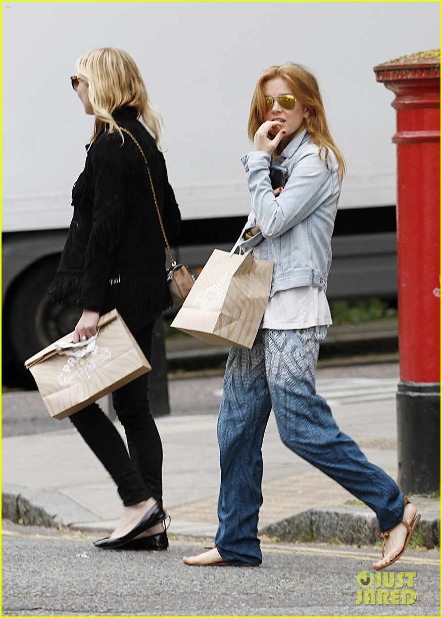 kirsten dunst isla fisher bachelorette buddies get some shopping in 013118932
