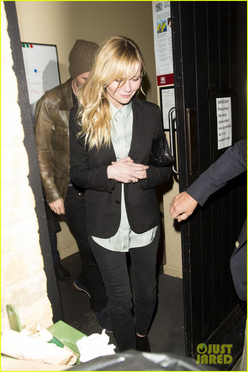 kirsten dunst garrett hedlund have date night at chiltern firehouse 17
