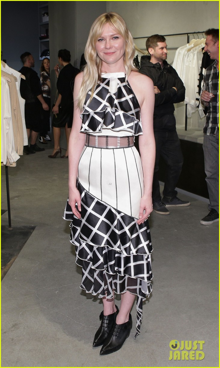 kirsten dunst is rodarte ready for met ball 013105745