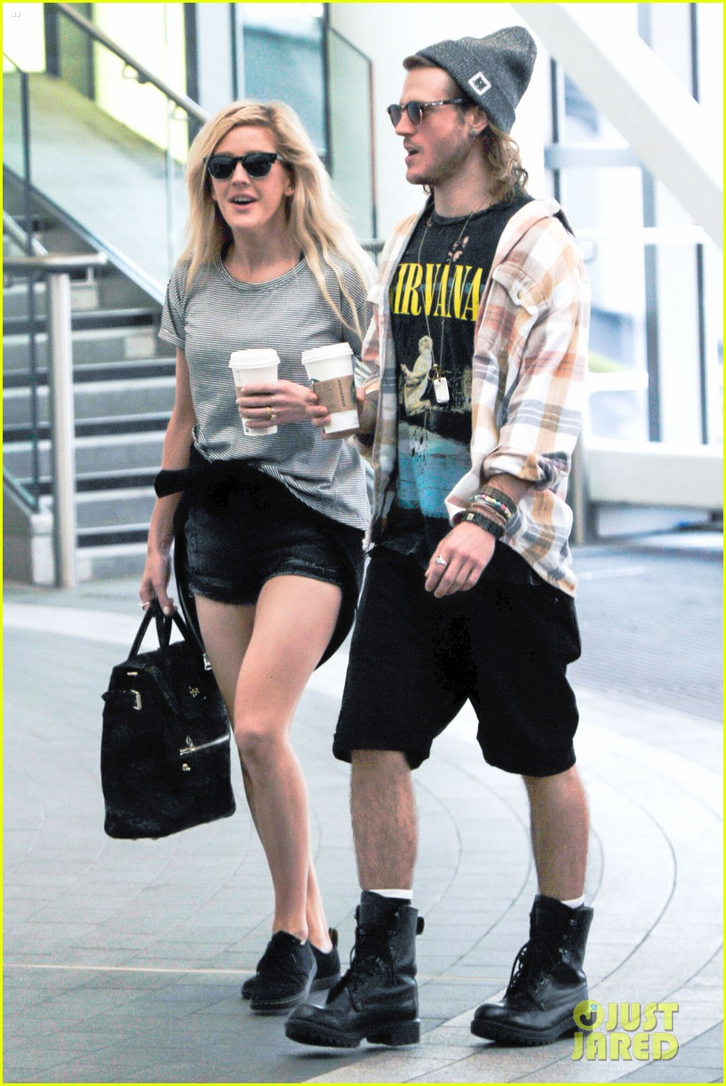 ellie goulding dougie poynter hands food 07