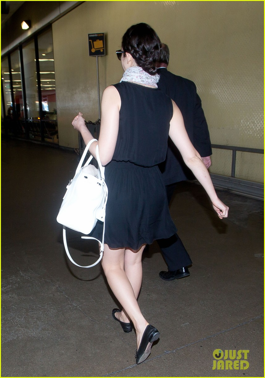 emmy rossum back to la after missing flight 053119997