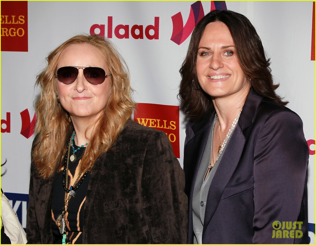 melissa etheridge gets married to linda wallem 06