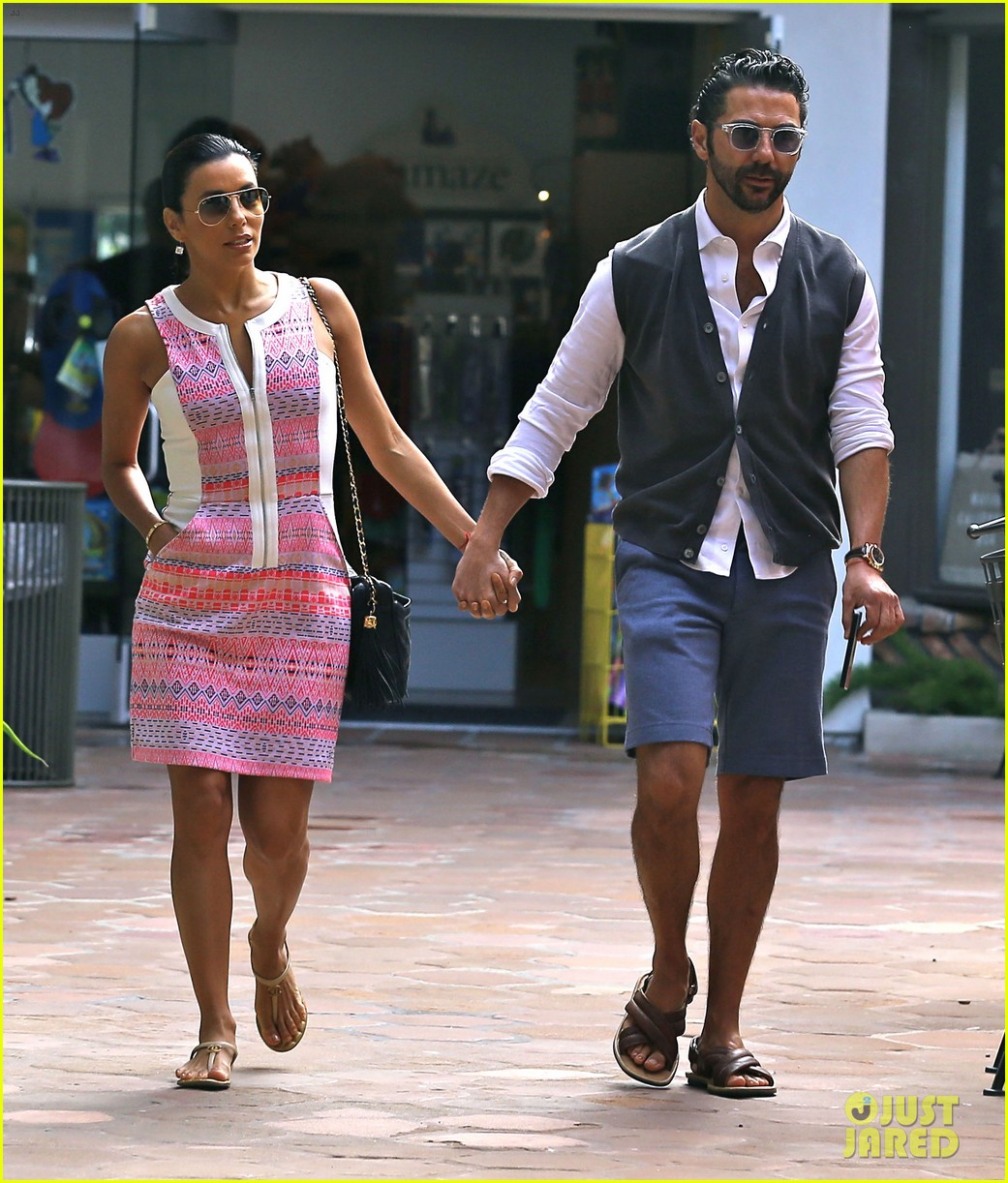 eva longoria cozy shopping boyfriend jose antontio baston 05