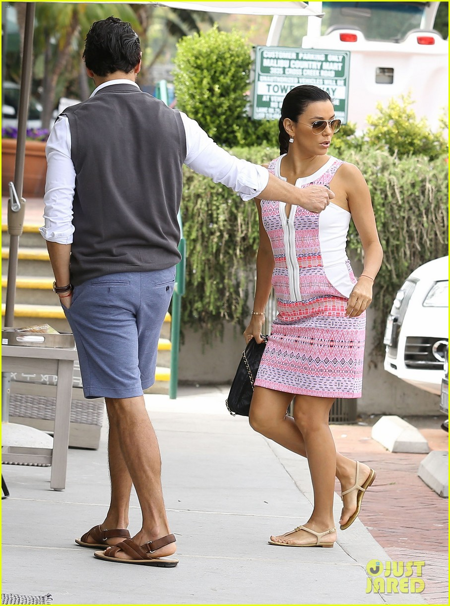 eva longoria cozy shopping boyfriend jose antontio baston 073122019