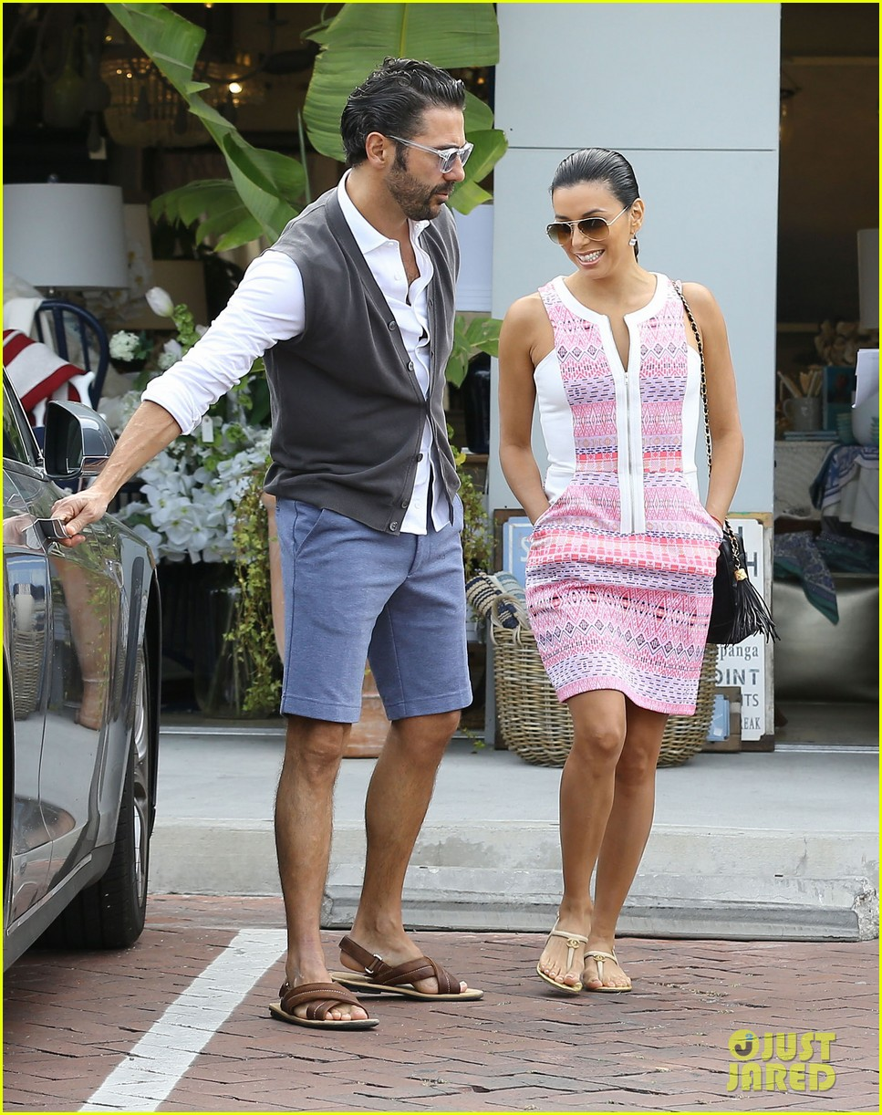 eva longoria cozy shopping boyfriend jose antontio baston 17
