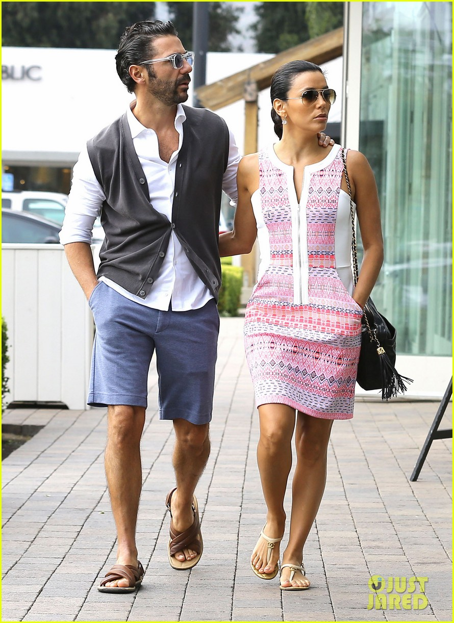 eva longoria cozy shopping boyfriend jose antontio baston 263122038