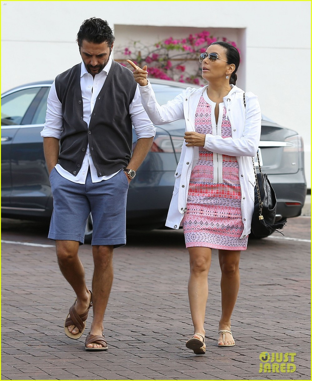 eva longoria cozy shopping boyfriend jose antontio baston 333122045