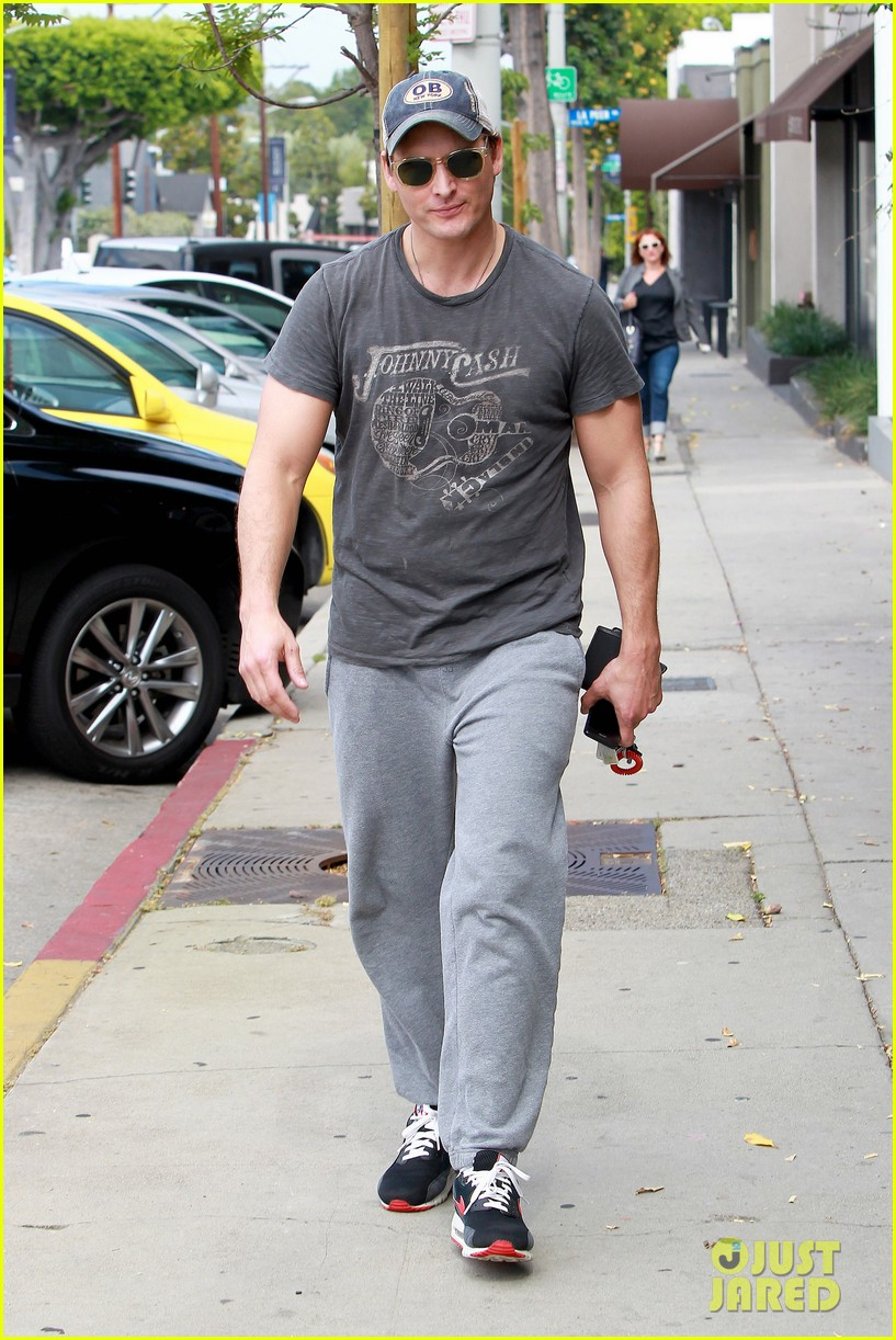 peter facinelli jaimie alexander kiss goodbye after workout 033124942