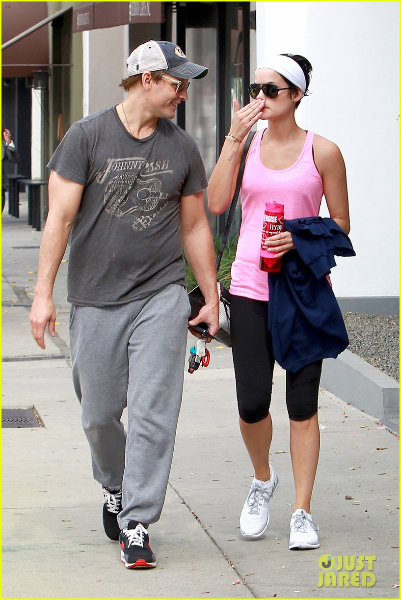 peter facinelli jaimie alexander kiss goodbye after workout 163124955