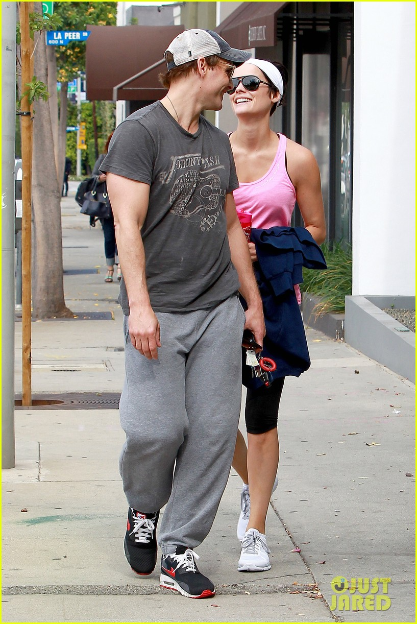 peter facinelli jaimie alexander kiss goodbye after workout 233124962