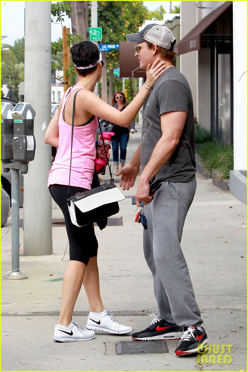 peter facinelli jaimie alexander kiss goodbye after workout 243124963