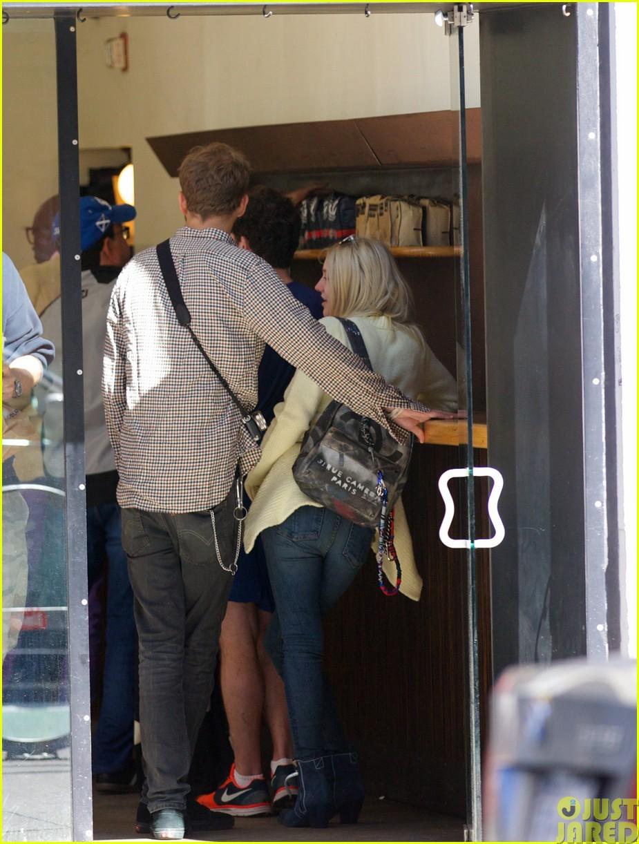 dakota fanning holds boyfriend jamies hand in nyc063115790