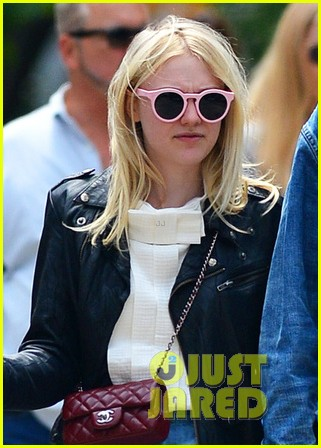dakota fanning brain month madness 023117352