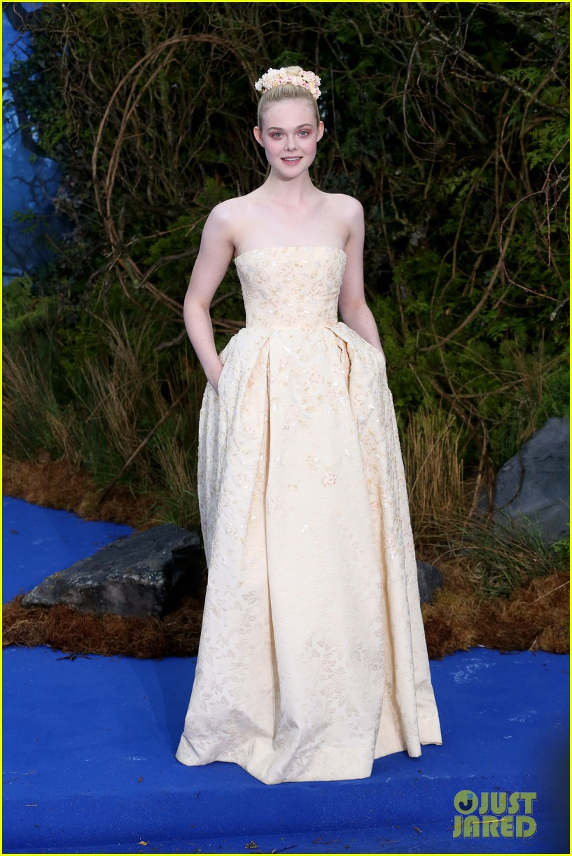elle fanning looks like royalty at maleficent private reception 013108698