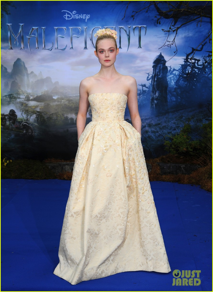 elle fanning looks like royalty at maleficent private reception 063108703