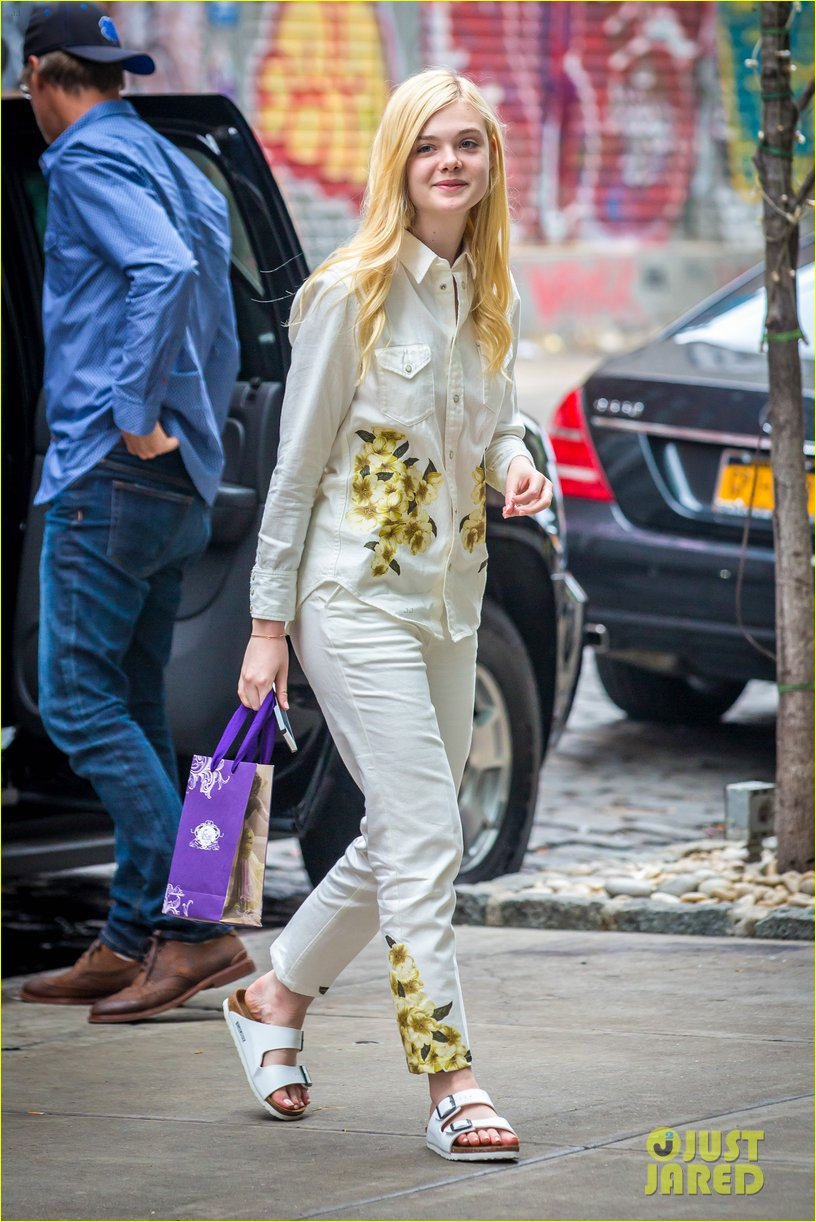 elle fanning soho eat 100 years 023115026