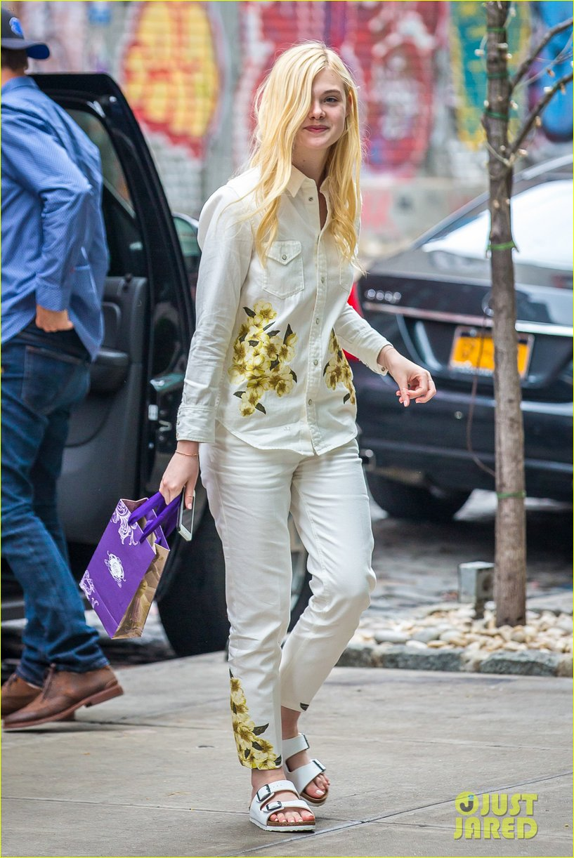 elle fanning soho eat 100 years 133115037