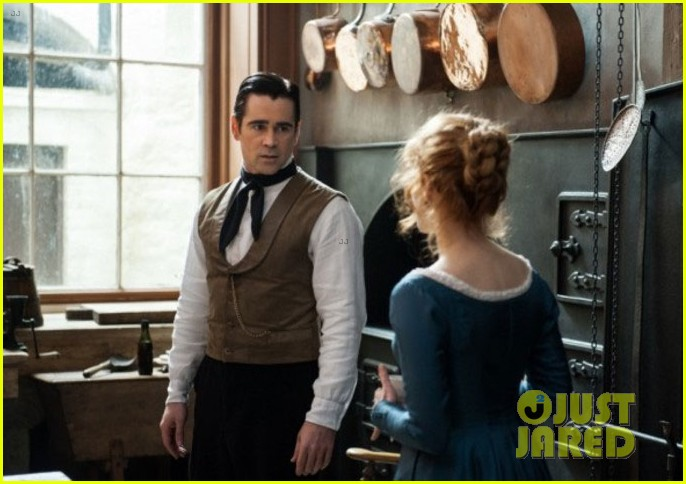 colin farrell kisses jessica chastain in new miss julie still 043125010