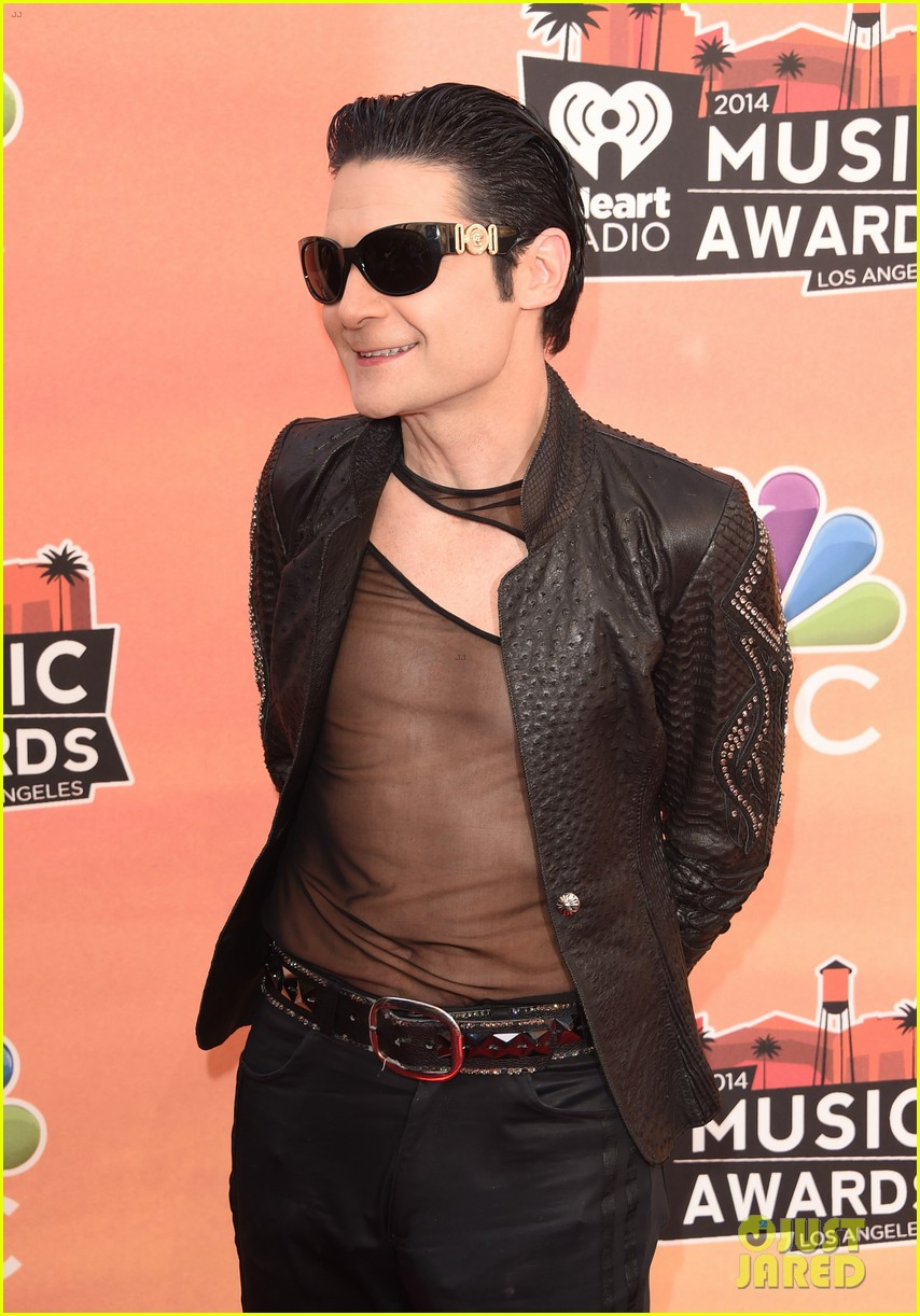 corey feldman iheartradio music awards 2014 023103339