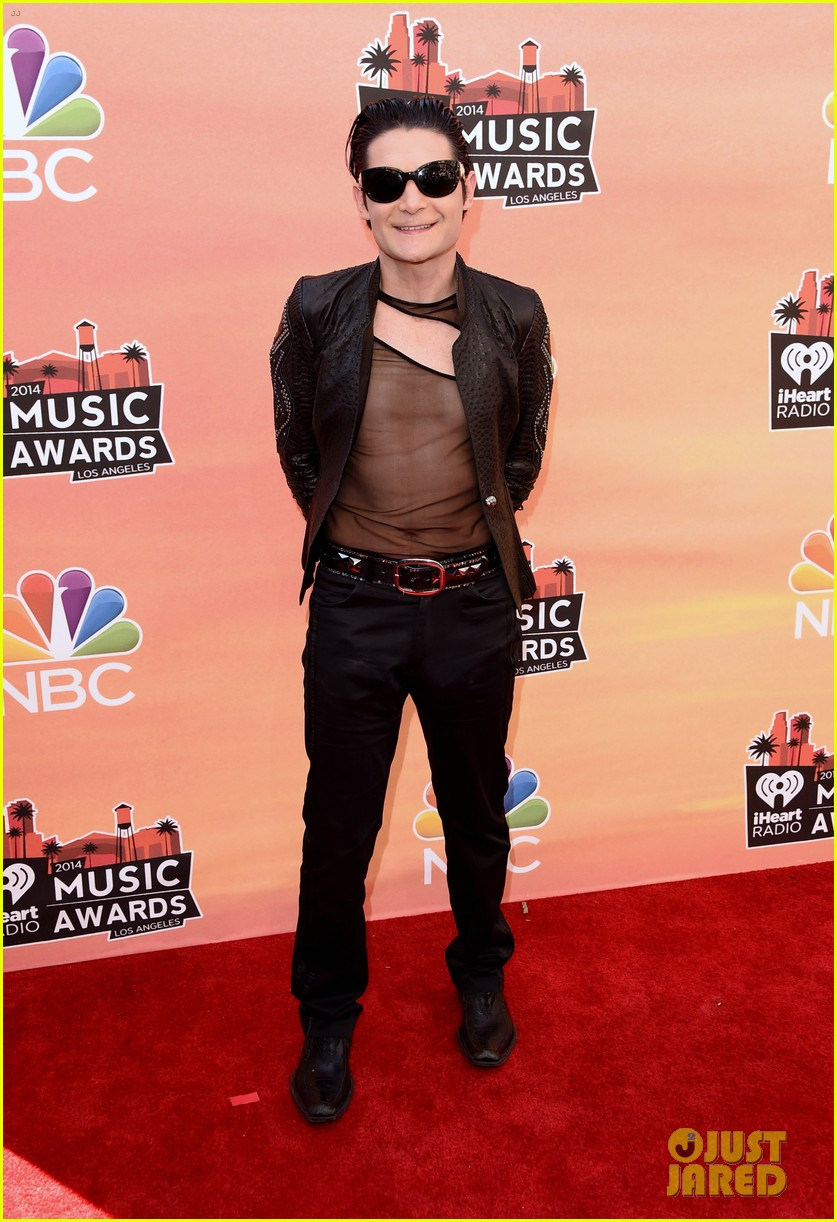corey feldman iheartradio music awards 2014 053103342