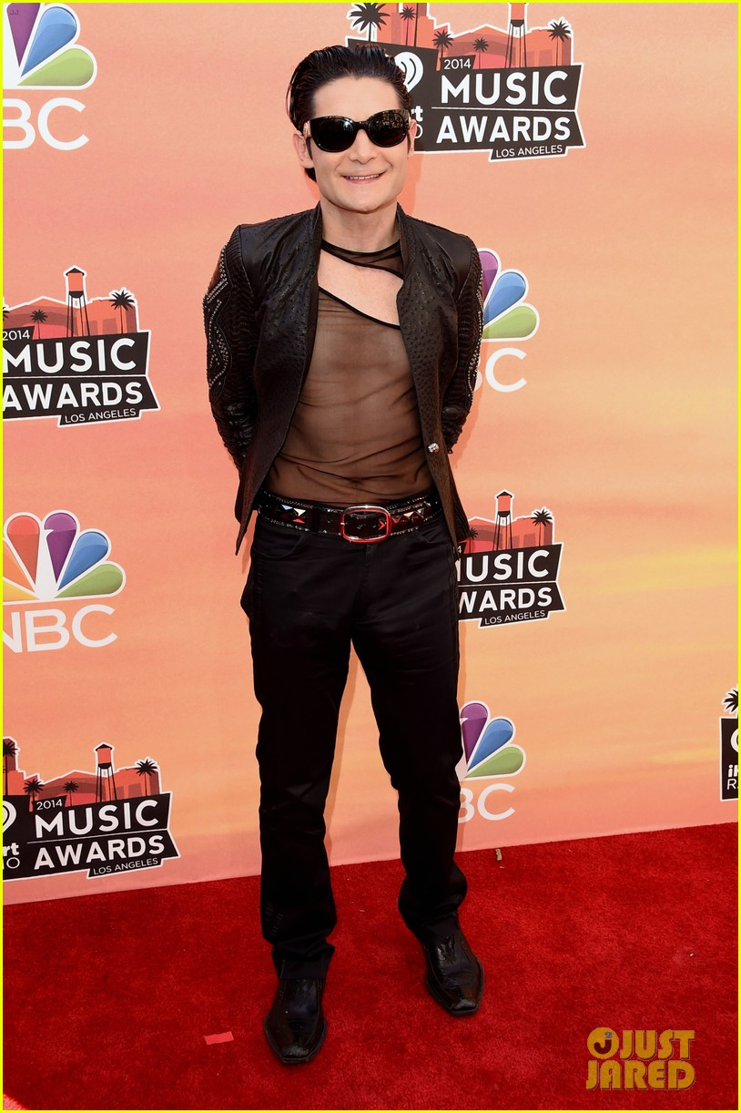 corey feldman iheartradio music awards 2014 083103345