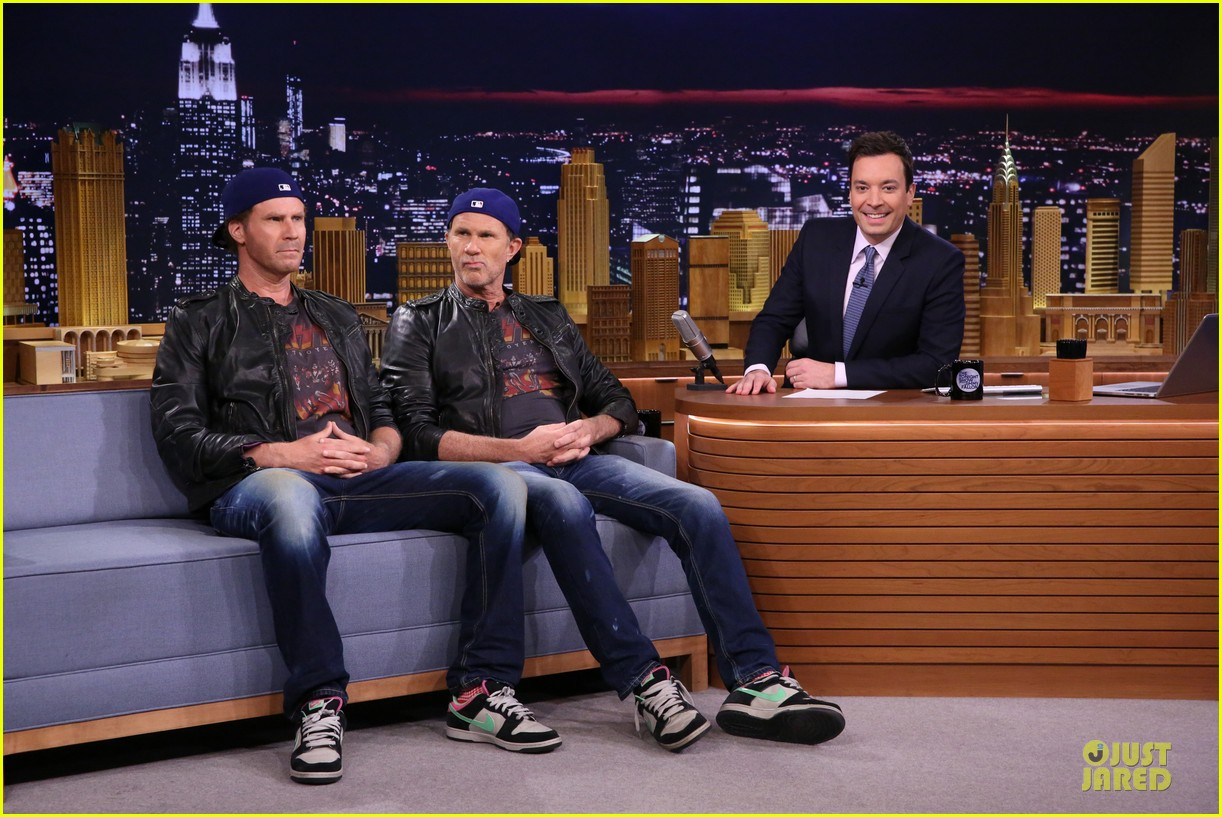 will ferrell chad smith drum off on tonight show 013120337
