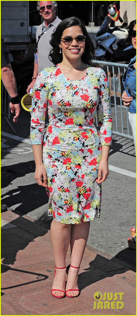 america ferrera takes toothless the dragon to cannes 033114496