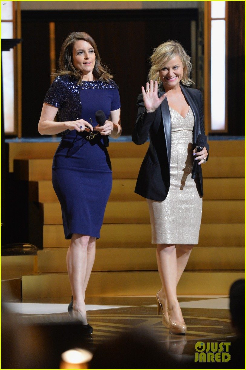 tina fey amy poehler reunite on stage for don rickles one night only all star comedy tribute 033107290