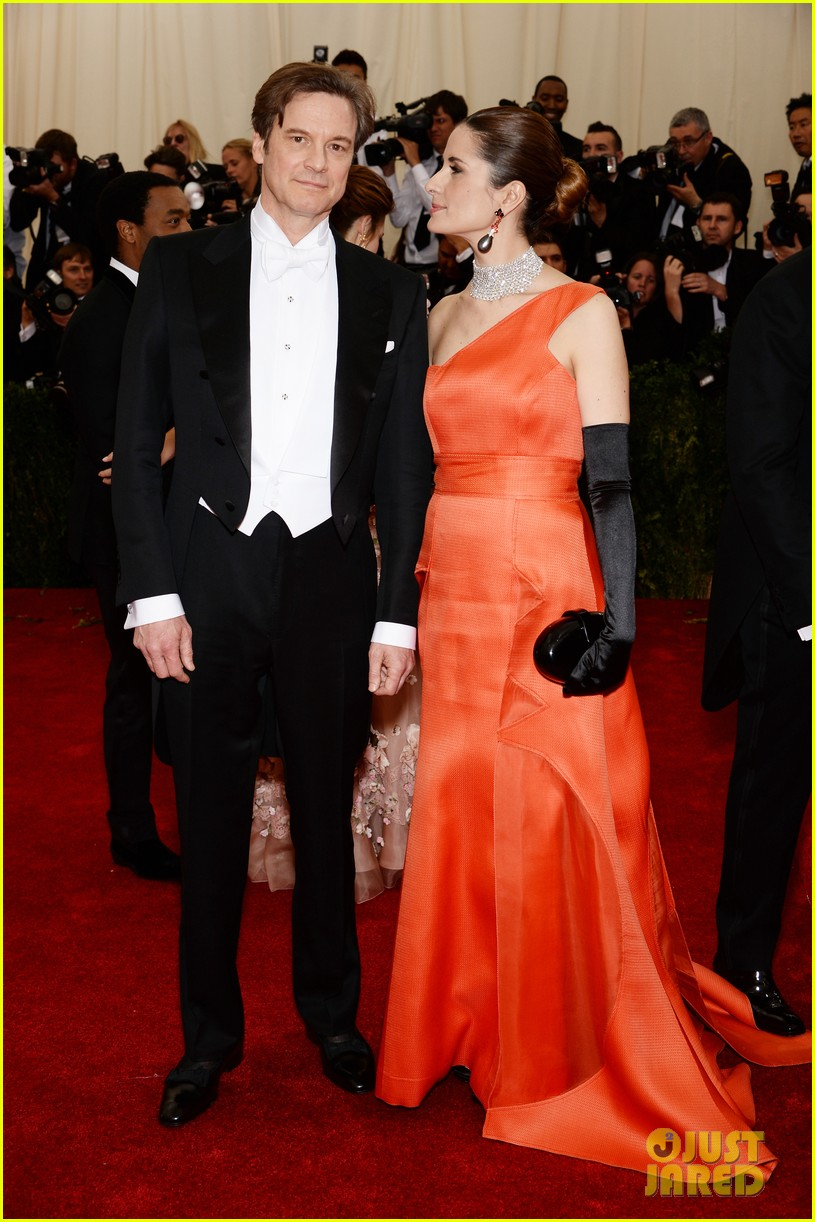colin firths wife livia stares lovingly at her husband at met ball 2014 013106570