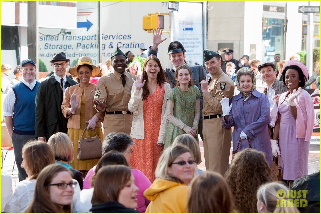 sutton foster performs on my way with cast of violet on the today show watch now 023106751