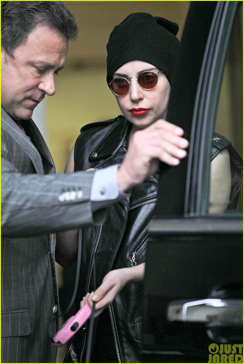 lady gaga walks asia after sold out show in winnipeg043120839