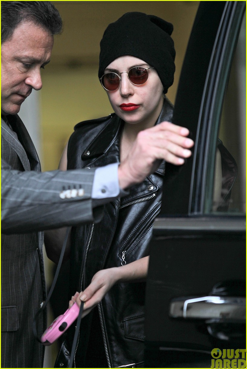 lady gaga walks asia after sold out show in winnipeg153120850