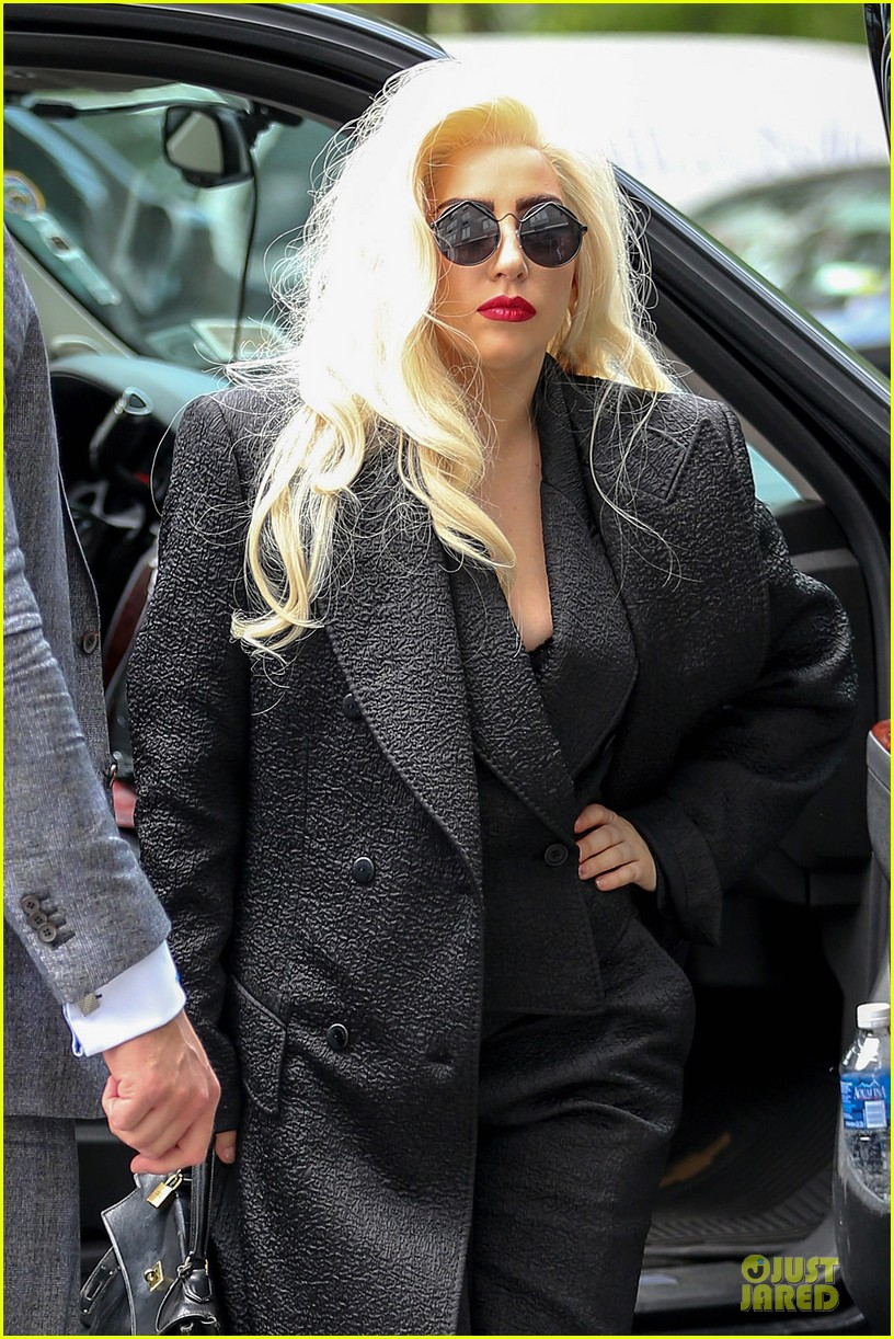 lady gaga finds it uncool to lip sync 023121155