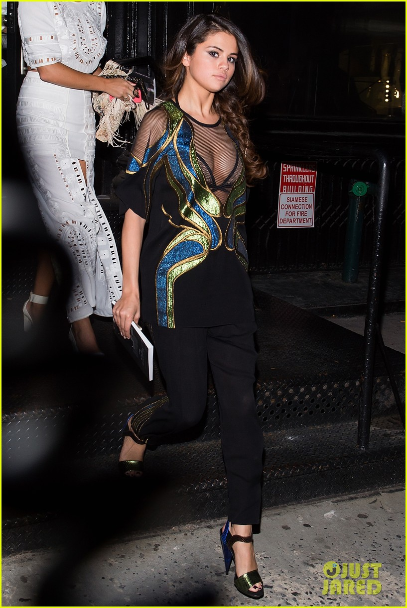 selena gomez kendall jenner attend same party 013107843