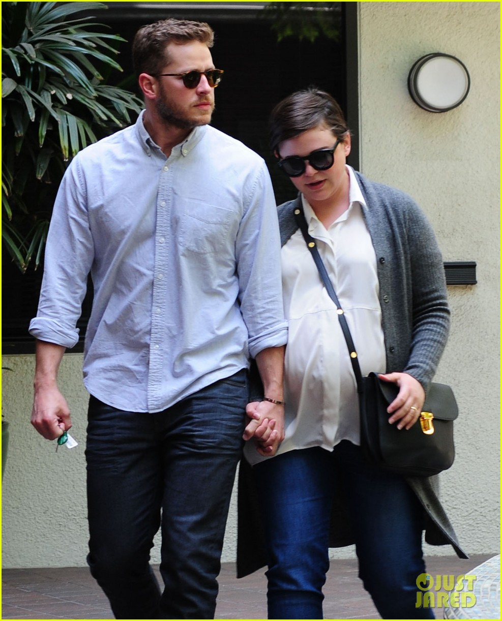 ginnifer goodwin looks like she could give birth any day now 053109351