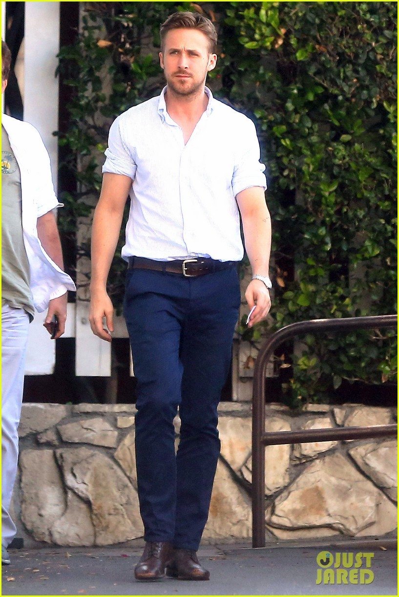 ryan gosling pretty much always looks perfect 123125586