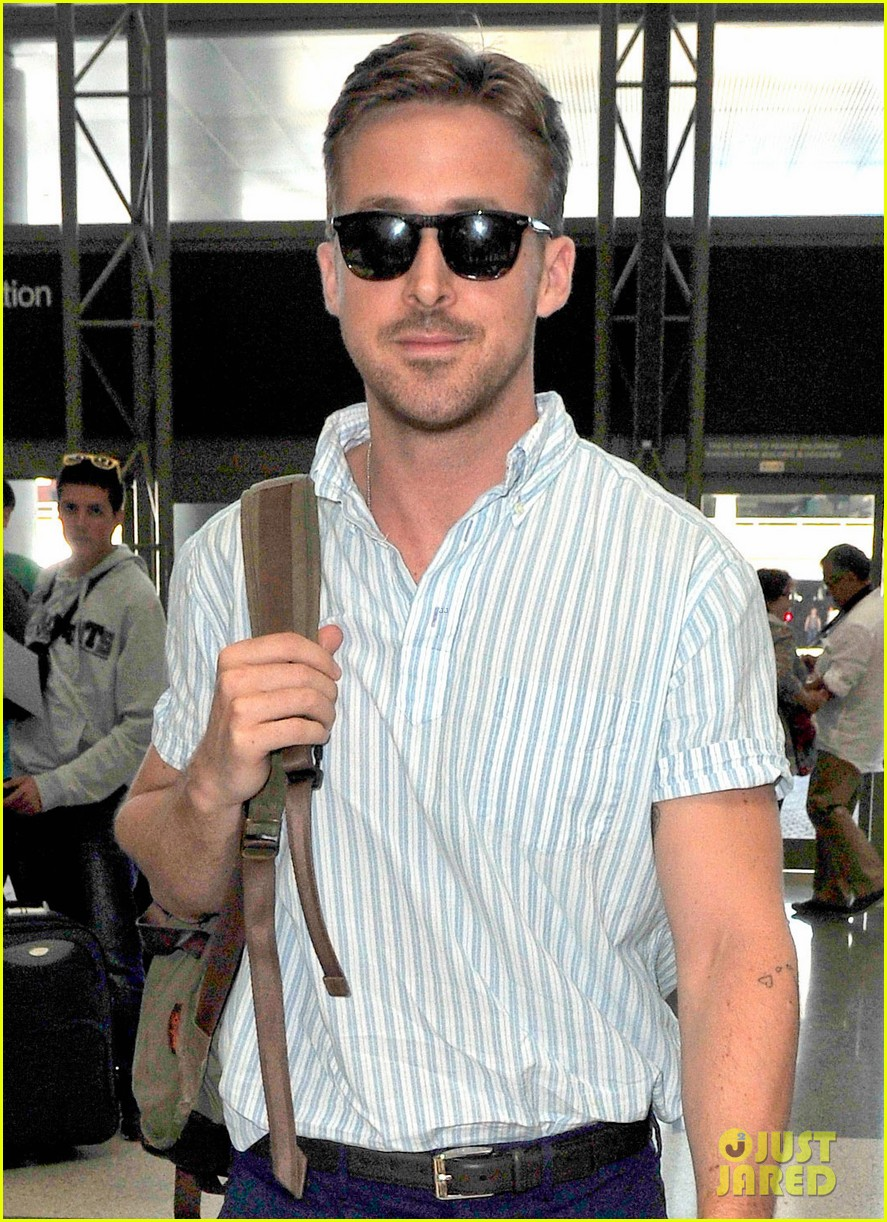 ryan gosling travels cannes the lost river 103116643